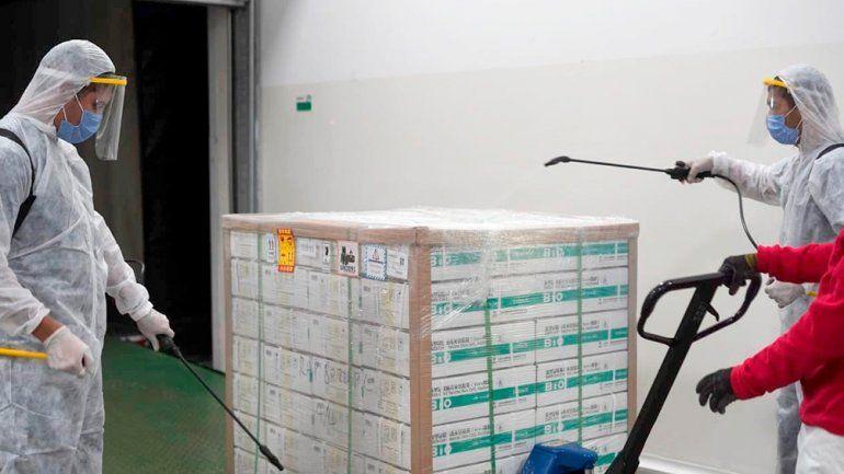 Distribuyen 27.900 dosis de Sinopharm a Entre Ríos y 70.200 a Santa Fe