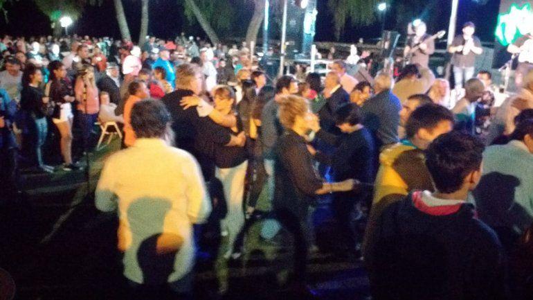Santa Elena: unas 3 mil personas de fiesta y baile, sin barbijos ni protocolos
