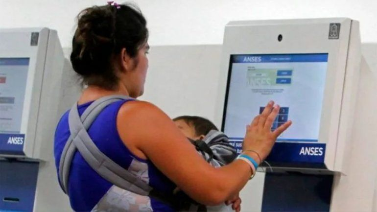 Otorgarán una ayuda de $15.000 a beneficiarios de AUH y otras asignaciones