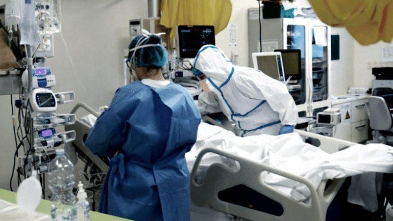 Reportaron 663 muertes asociadas a coronavirus, un nuevo récord diario