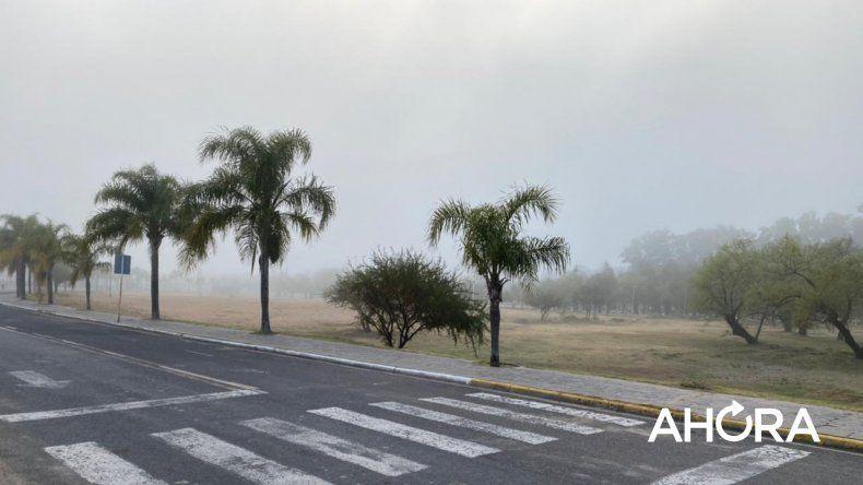 Una densa niebla cubre Paraná y alrededores